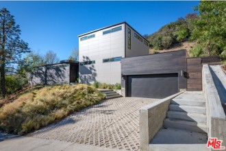 Living in the Hollywood Hills | MLS Listing Hollywood Hills | House For Sale Hollywood Hills