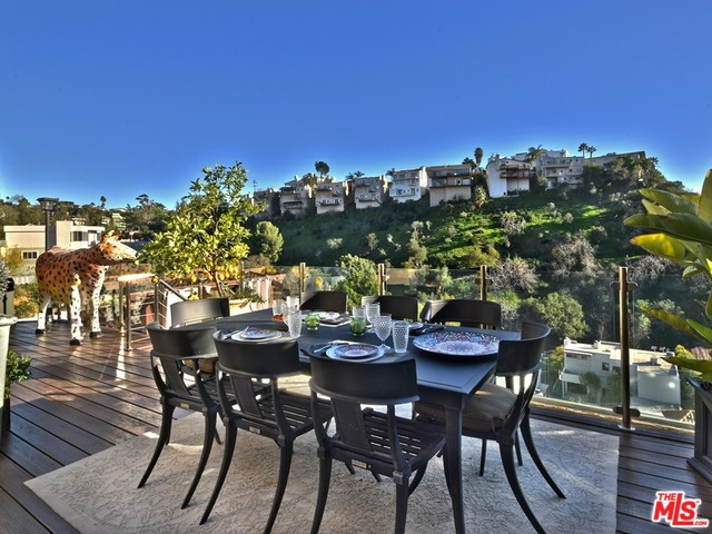 Hollywood Hills House For Sale | Living in Hollywood Hills | Hollywood Hills Neighborhood