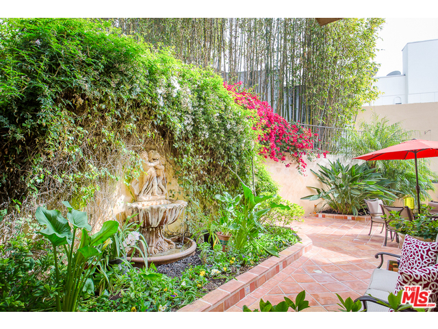 MLS Listing Hollywood Hills | Living in Hollywood Hills | Hollywood Hills Neighborhood