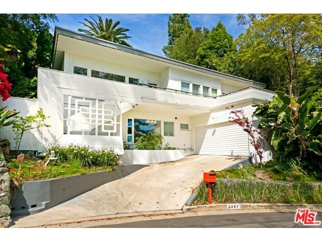 Mid century modern home for sale in los feliz silver for Mid century modern homes for sale los angeles
