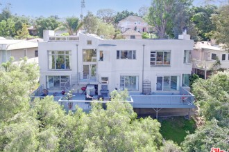 Hollywood Hills Home For Sale in Hollywood Knolls | Hollywood Hills Real Estate | Hollywood Hills Homes For Sale