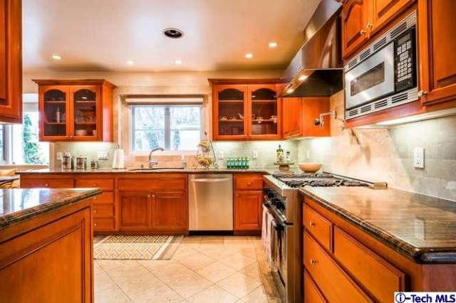 Two Story House For Sale in Eagle Rock | MLS Listings Eagle Rock | Houses for Sale Eagle Rock