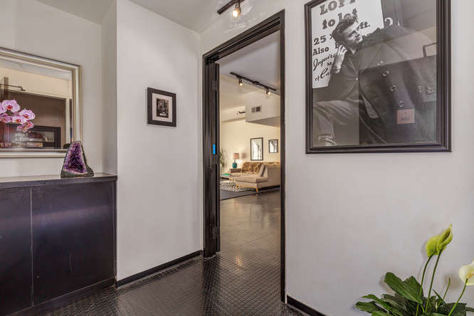 DTLA Luxury high-rise condo new listing | Downtown Los Angeles Condo For Sale | Realtor DTLA