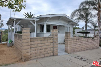 Amazing Potential Highland Park Home | | Living in Highland Park | Highland Park Neighborhood
