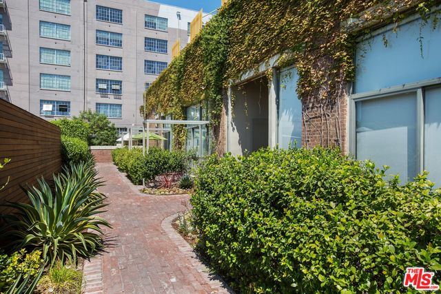 Industrial Street Loft in Prime Arts District | Downtown Los Angeles Lofts for Sale | Downtown Los Angeles Lofts