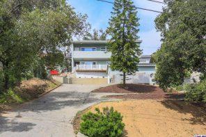 Nicely Remodeled Duplex inn Highland Park For Sale | Highland Park House For Sale | Highland Park Real Estate For Sale