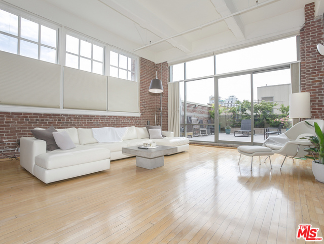 Stunning Corner Unit Loft in Arts District For Sale | Downtown LA Loft For Sale | DTLA Realtor Glenn Shelhamer