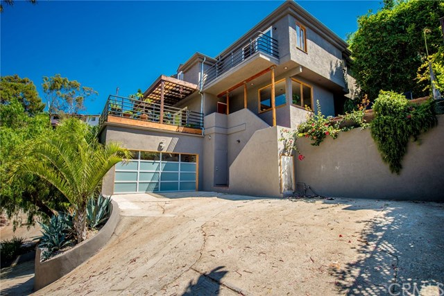 Gorgeous multi level silver lake spanish house for sale for Multi level homes for sale