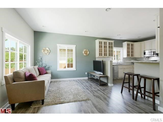 Nice Duplex in the heart of Highland Park For Sale | Highland Park Realtor | Highland Park House For Sale