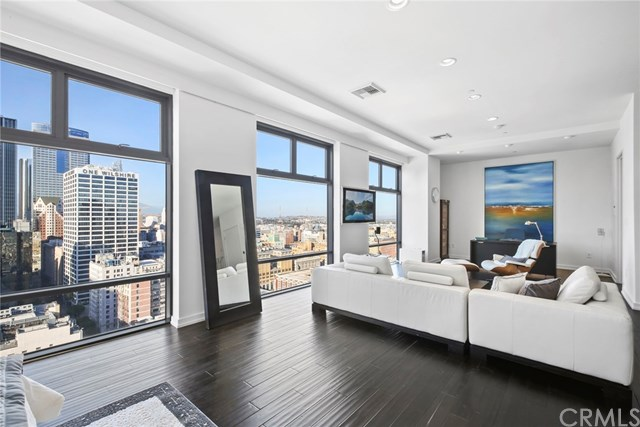 Unit 2106 in DTLA's Sought After Sky Lofts South Park | DTLA Loft For Sale | Downtown Los Angeles Loft For Sale