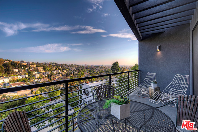 Contemporary Stunner in Prestigious Franklin Hills For Sale | Los Feliz Realtor | Los Feliz House For Sale