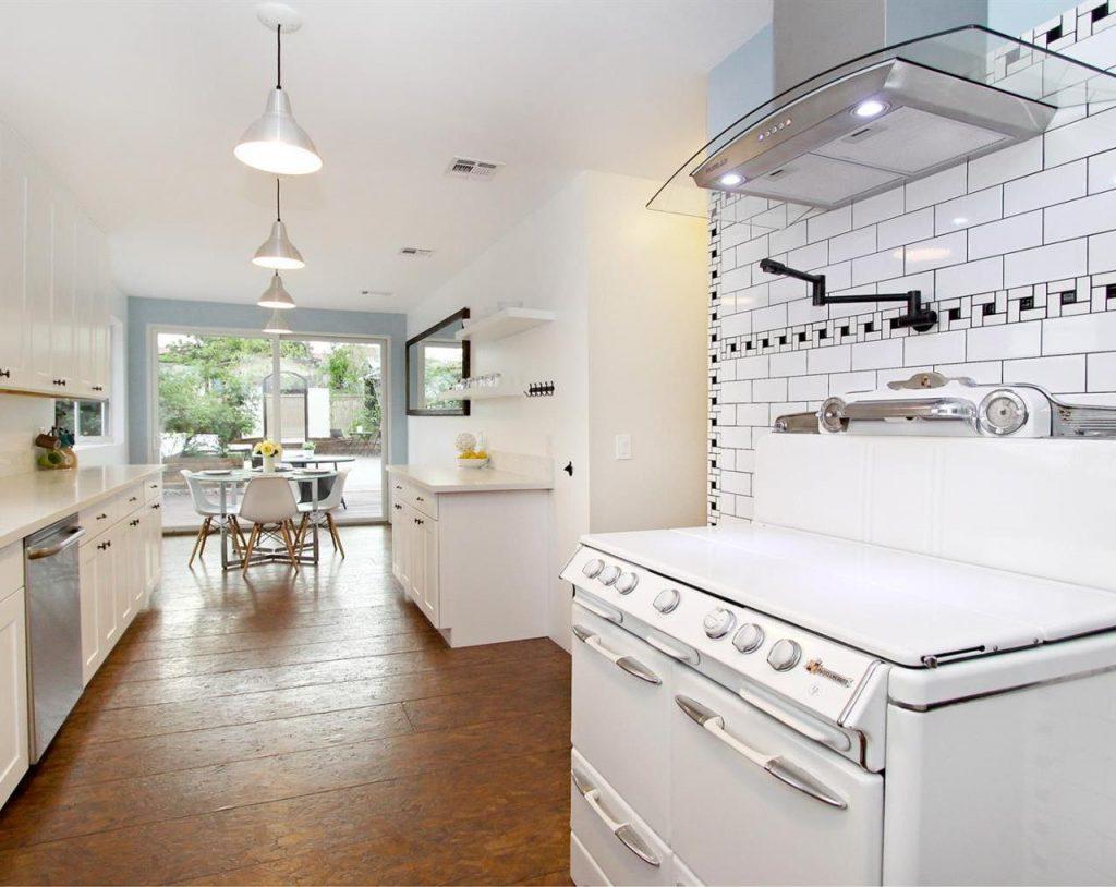 Quintessential Highland Park Craftsman For Sale | Highland Park House For Sale | Highland Park Real Estate For Sale