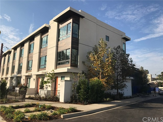 Highland Park Townhouses For Sale- 118 S Avenue 50 #402, Highland Park Homes For Sale, Highland Park Real Estate For Sale, Shelhamer Group Real Estate