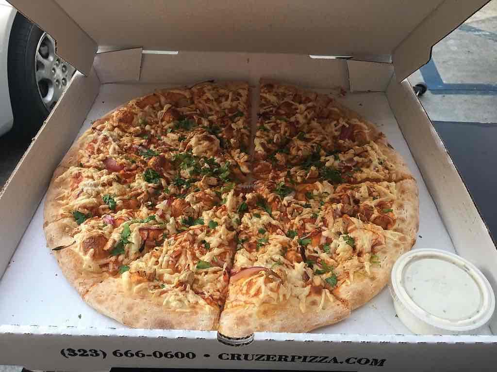 Cruzer Pizza in Los Feliz